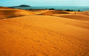 The famous red sand dunes in Mui Ne, Vietnam | Kiterr.com