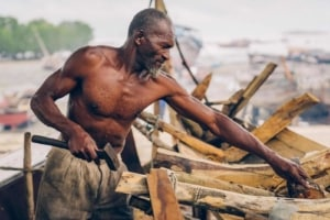 Zanzibar people - traditional wooden boat builders | Kiterr.com