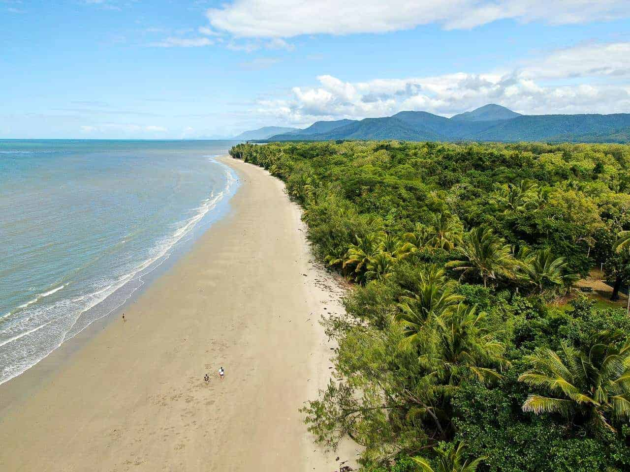 Four Mile Beach, Port Douglas - Kitesurfing in Far North Queensland // Kiterr.com