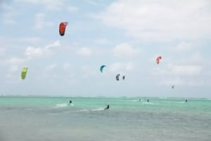 kitesurfing in Grand Cayman - photo Kitesurf Cayman // Kiterr.com