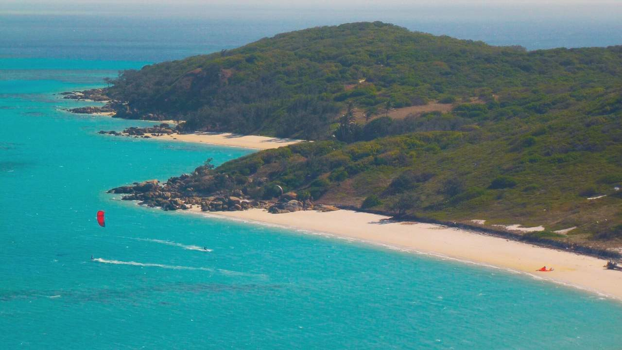Lizard Island / Mangrove Beach - Kitesurfing in Far North Queensland, Australia // Kiterr.com