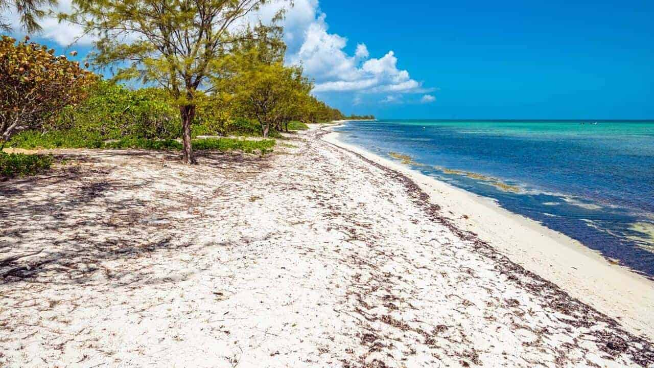Barker's Beach, Grand Cayman // Kiterr.com