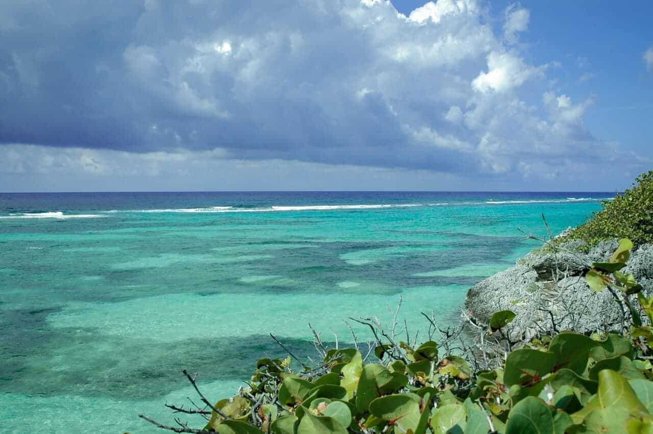 East End, Grand Cayman // Kiterr.com
